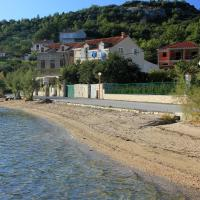 Apartments and rooms by the sea Slano, Dubrovnik - 8737, hotel in Slano