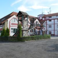 Famozclub, отель в городе Bakov nad Jizerou