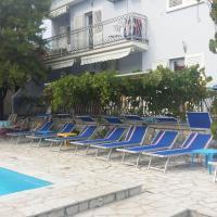 Apartments Jerine, hotel in Tribunj