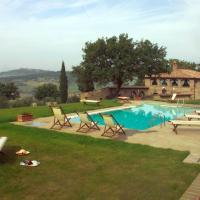 Monticchiello Villa Sleeps 14 with Pool and Air Con