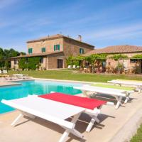 Monticchiello Villa Sleeps 12 with Pool and Air Con