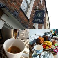 Ty Glyndwr Bunkhouse, Bar and cafe