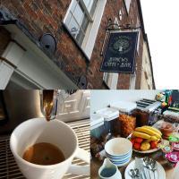 Ty Glyndwr Bunkhouse, Bar and cafe, hotel in Caernarfon