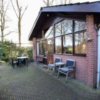 Wooden Holiday Home with Private Terrace & Garden in Aalten
