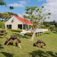 Russell Top 10 Holiday Villas, hotel in Russell
