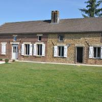 Spacious Holiday Home in Sormery with Swimming Pool
