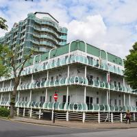 Sunshine Place, hotel in Enfield