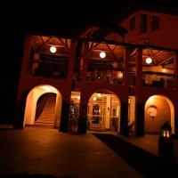 Hotel Bella di Bosco, hotel in Malè