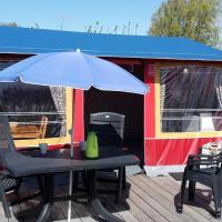 Comfortabele Bungalowtent de Kienehoef, hotel in Sint-Oedenrode