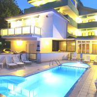 Hotel Oasi, hotel in Lignano Sabbiadoro