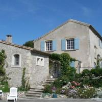 French Countryside Villa w/ Pool, hotel in Les Baux-de-Provence