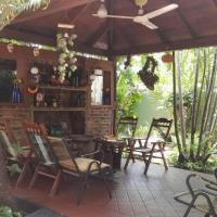 Residencial Pinocho, hotel in Montero