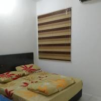Cozy private room with free Scooter auto motor for use, hotel in Miri