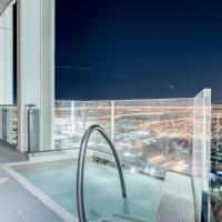 StripViewSuites Penthouse with Hot Tub on Balcony