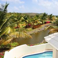 Cas en Bas Villa Sleeps 6 Pool Air Con WiFi, hotel in Cap Estate