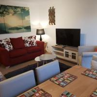 Chic Flat at Hairmyres Hospital & Train Station, hotel in East Kilbride