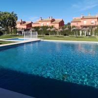 Villa Benacazón, hotel in Sanlúcar la Mayor