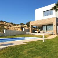 2260-Luxury villa with private pool and seaview