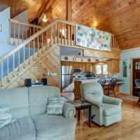Loon Lookout Chalet, hotel in Chestertown