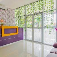 RedDoorz Plus near Stasiun Bekasi, hotel in Bekasi