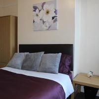 John St Town House - Self Catering - Great Value Family and Double Rooms, hotel in Workington