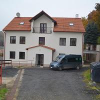 Danopa Opárno 25, отель в городе Ловосице