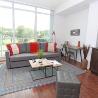 Rustic, Cottage Chic Condo in Downtown, hotel near Billy Bishop Toronto City Airport - YTZ, Toronto
