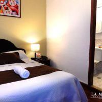 La Merced Plaza Hostal, hotel in Riobamba