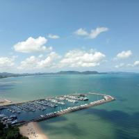 White Sand Beachfront Pattaya, отель в городе На Джомтьен