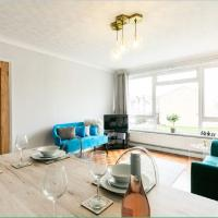 Gayton Court 2-Bedroom Flat in the Centre of Reigate, hotel in Reigate