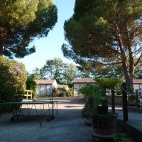 Bungalows & Rooms - Gît'Ôstal, hotel dicht bij: Luchthaven Carcassonne - CCF, Carcassonne