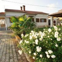Holiday home in Valtura/Istrien 17433, Hotel in der Nähe vom Flughafen Pula - PUY, Valtura
