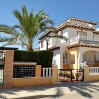 Luxury and comfort in La Marina, with sea views at El Pinet beach