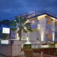 Hotel Tiffany, hotel in Marina di Massa