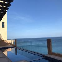 Brand New Luxury 5 Bedroom Villa with Sea View، فندق في Rūl Ḑadnā