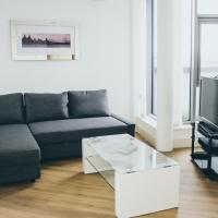 Serviced Apartment In Liverpool City Centre - Superb Views - Free Parking - Balcony - by Happy Days