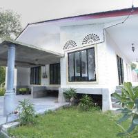 Rouhi Villas, hotel in Kuah