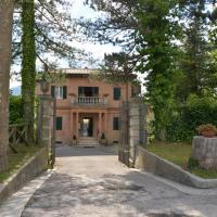 Villa delle Rose - Hotel Paradiso,Amandola的飯店