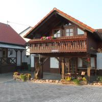 großes & gemütliches Ferienhaus 100qm - 2 Balkone, große Terrasse, W-LAN und Parkplatz