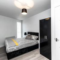 Air Host and Stay - Apartment 8 Barall Court - Sleeps 6 minutes from LFC free parking