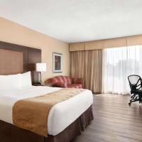 Ramada by Wyndham Belleville Harbourview Conference Center