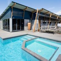 Beach House Motel, hotel in Papamoa