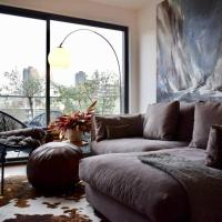 Stylish 1 Bedroom with Stunning City Views
