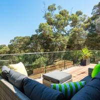 At Agnes Ave: coastal views, hotel in Blairgowrie