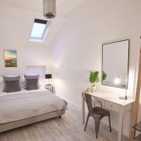 The Surfer's Loft Apartment