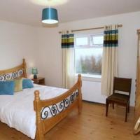 Three bedroom holiday home, hotel in Port