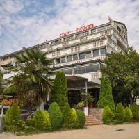 Hotel Super 8, отель в Скопье