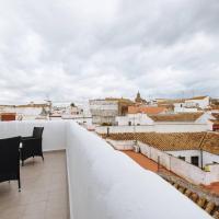 Piso Con Terraza y Vistas Espectaculares, Hotel in Carmona