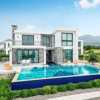 Joya Cypern Seaside Luxurious Villa and Private Pool, hotel in Akanthou