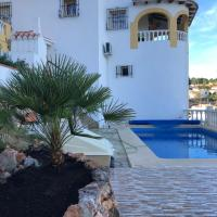 Villa Arturo Tossal Gross